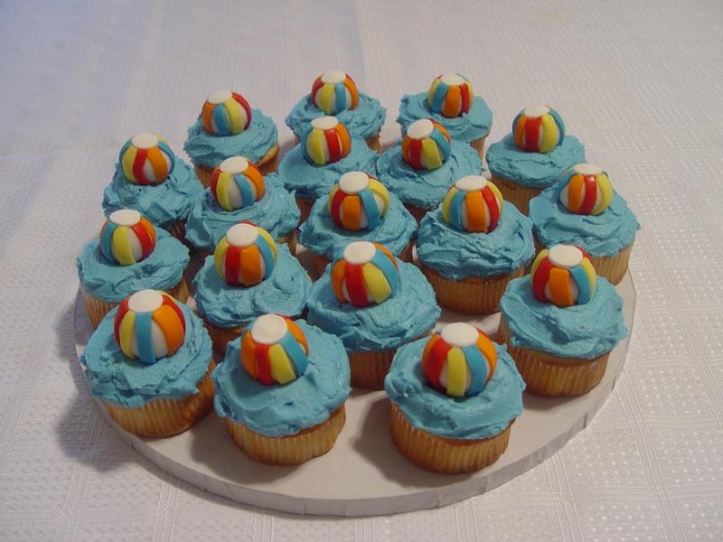 Pool Time Cupcakes